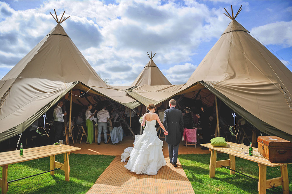 tipi tent wedding